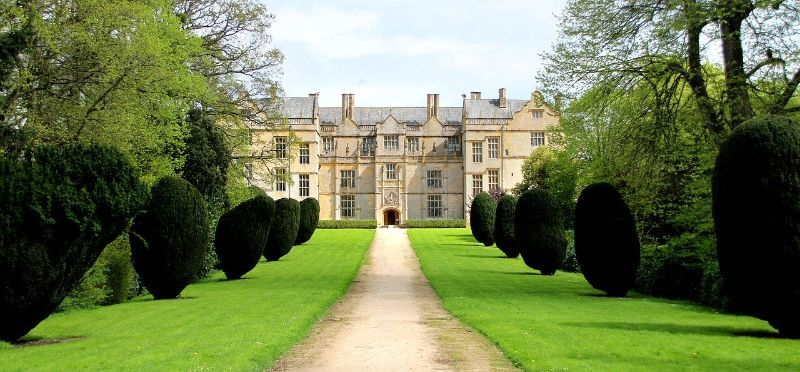 The National Trust's English Country Houses